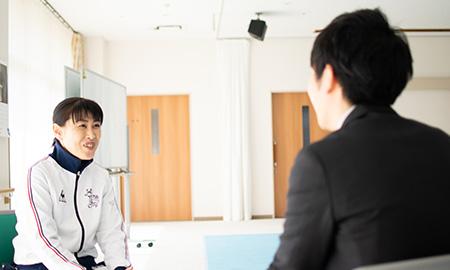 看護も介護も出来る藤原さんは元気よく、ハキハキをインタビューに応じてくれました。