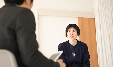 藤原さんと平戸さんのインタビューですが、実は空手の道場で行われました。(笑)