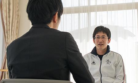 吉田さんは全日本実業団3連覇を達成した空手部のコーチ兼少年部監督をされています。